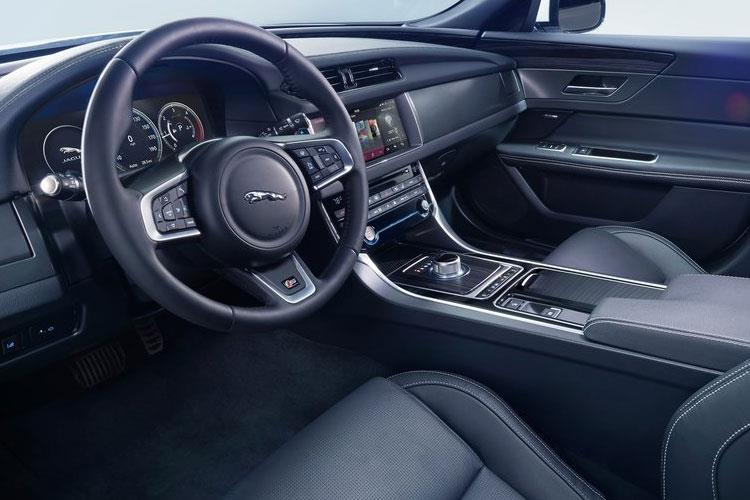 Jaguar XF Saloon 2.0 d MHEV 204PS R-Dynamic HSE 4Dr Auto [Start Stop] inside view
